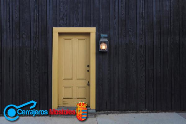 elegir puertas cerrajeros mostoles